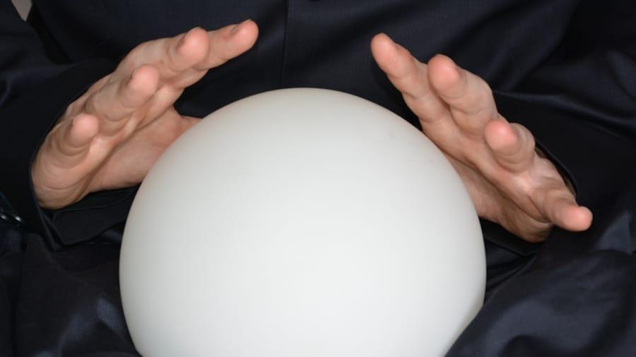 Leyendo la bola de cristal